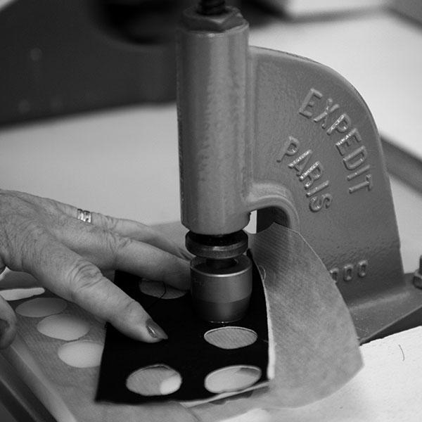machine-à-boutons-savoir-faire-grege-france